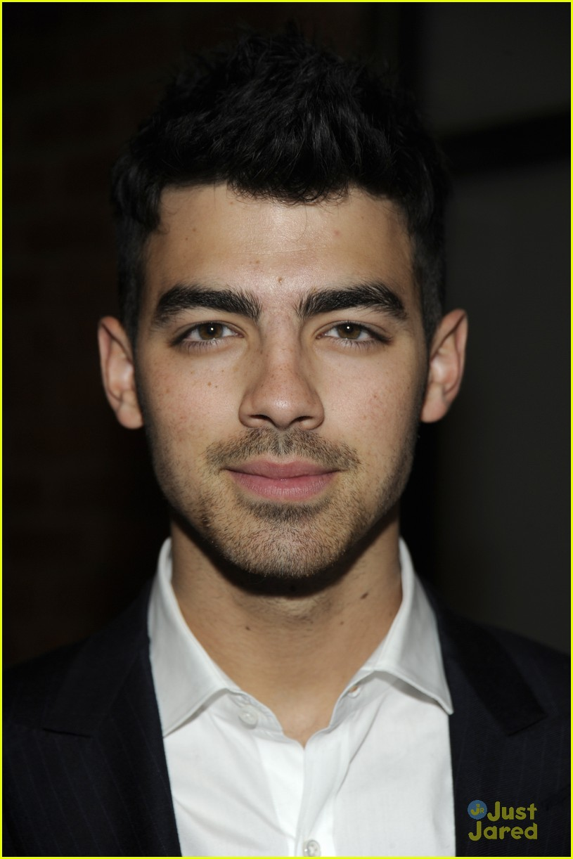 joe jonas simon spurr 07