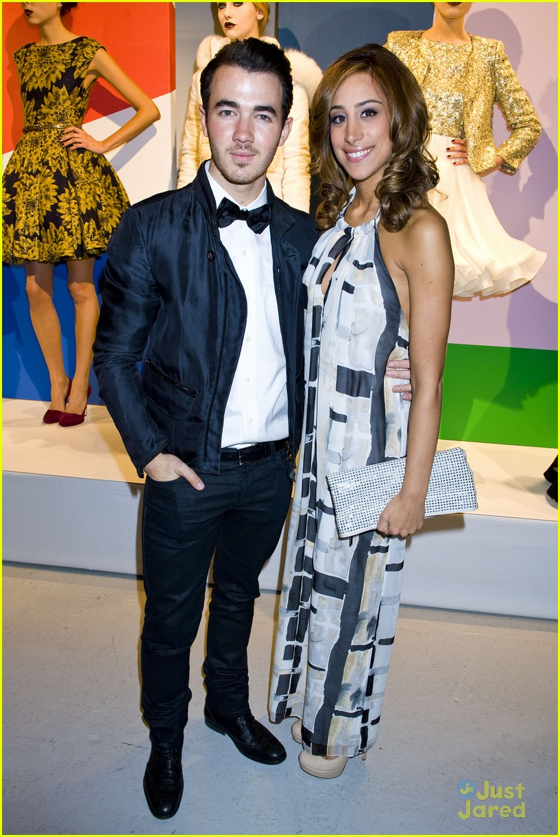 kevin danielle jonas ao show 10