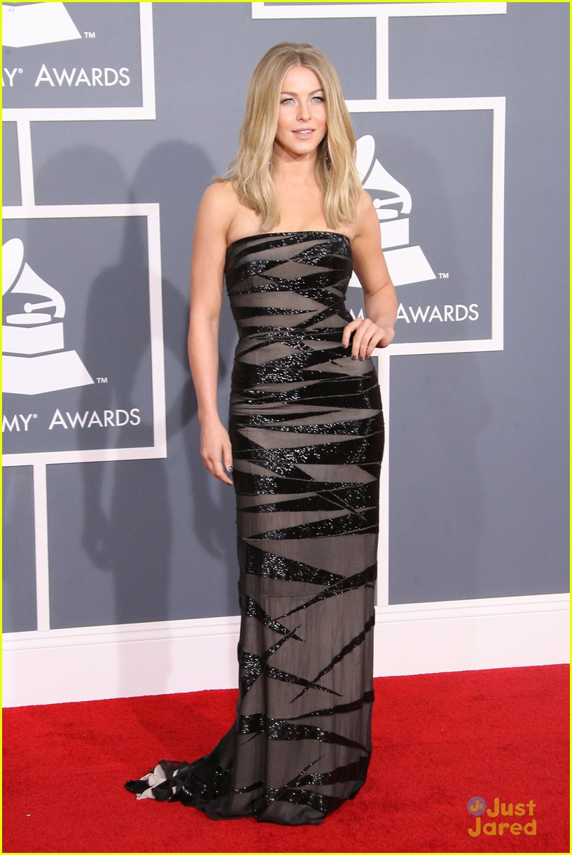 julianne hough 2012 grammys 03