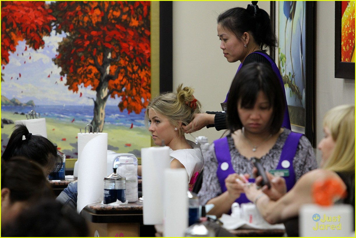 julianne hough massage nails 12