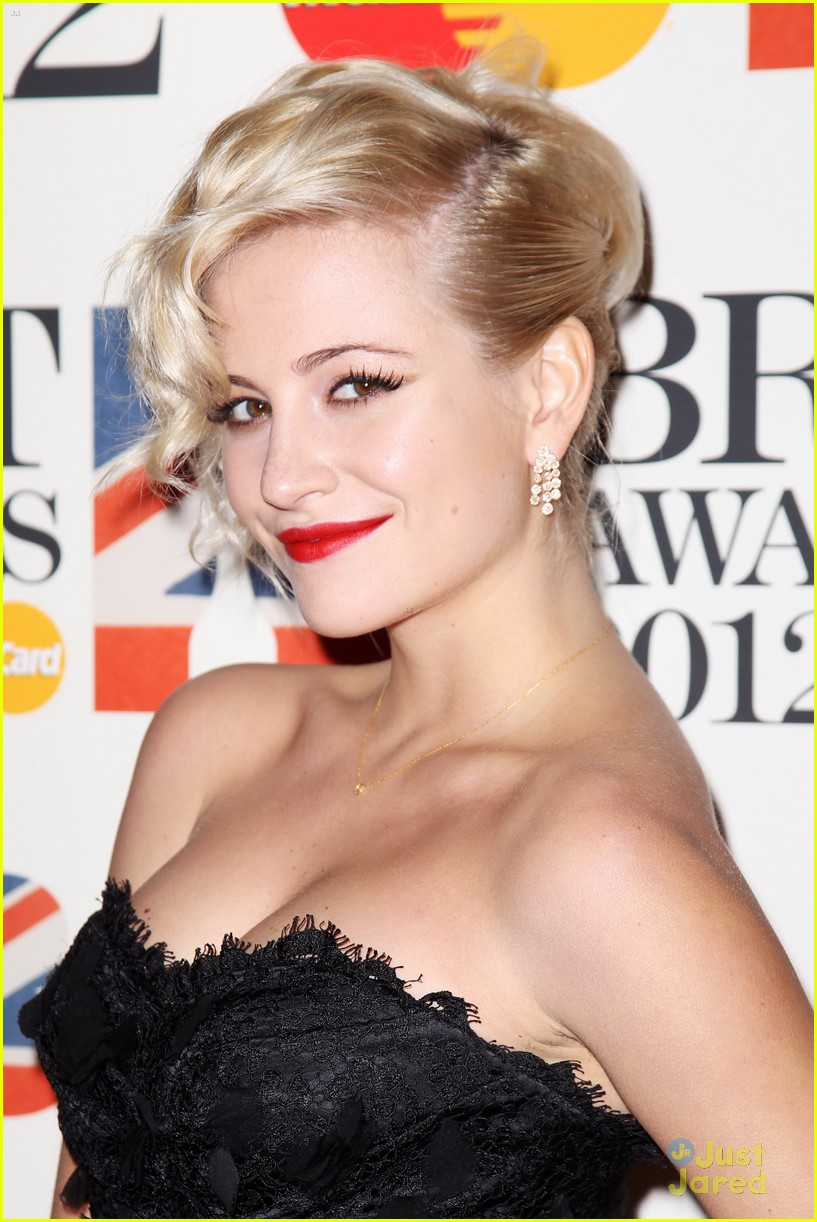 pixie lott brit awards 03
