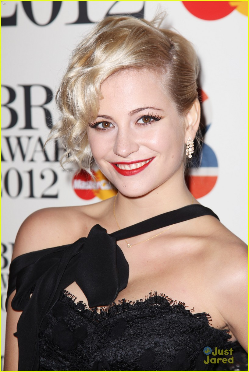 pixie lott brit awards 15