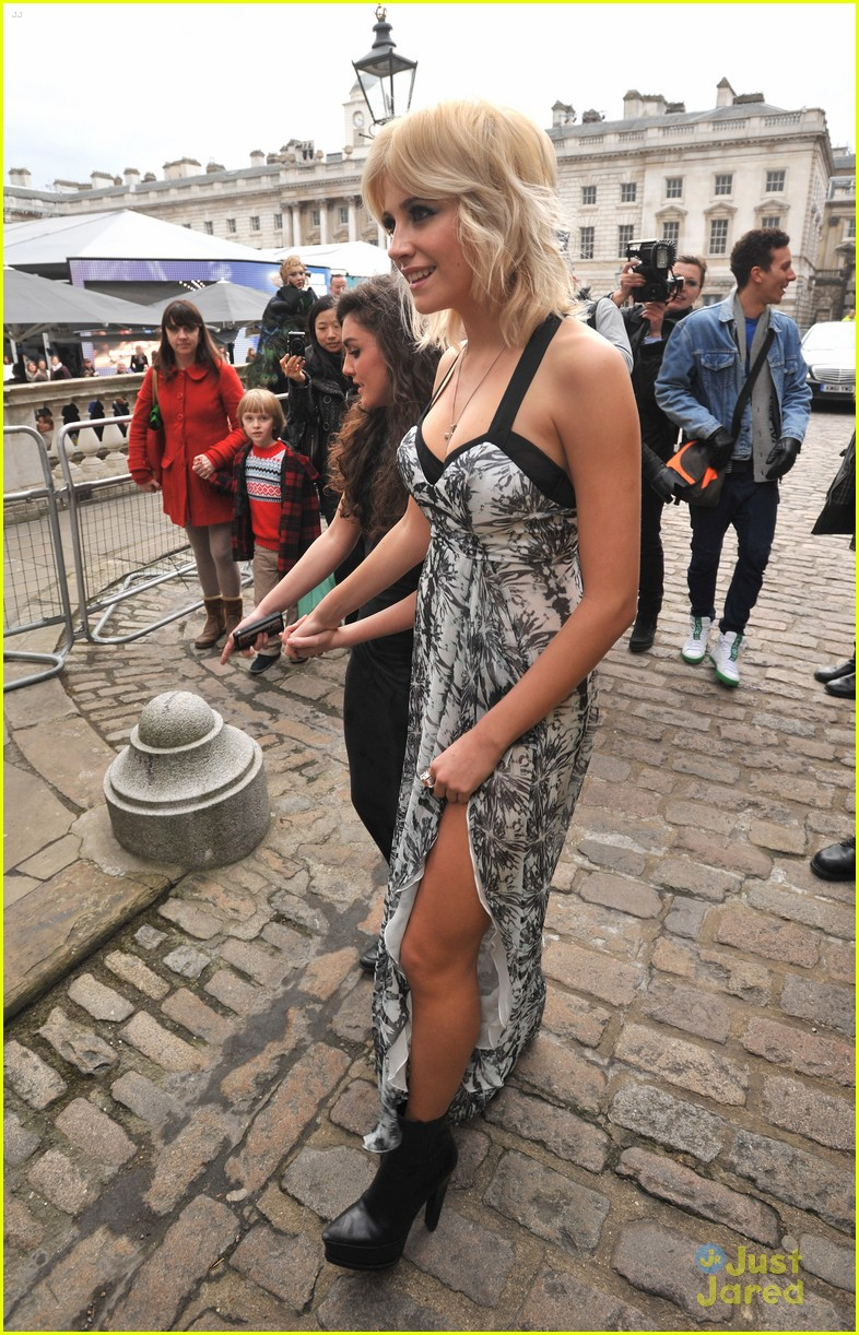 pixie lott london fashion week 02