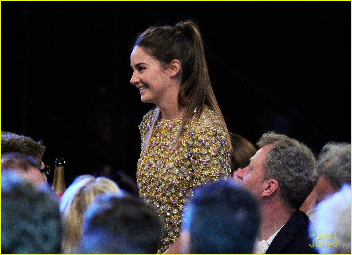 shailene woodley spirit awards 07