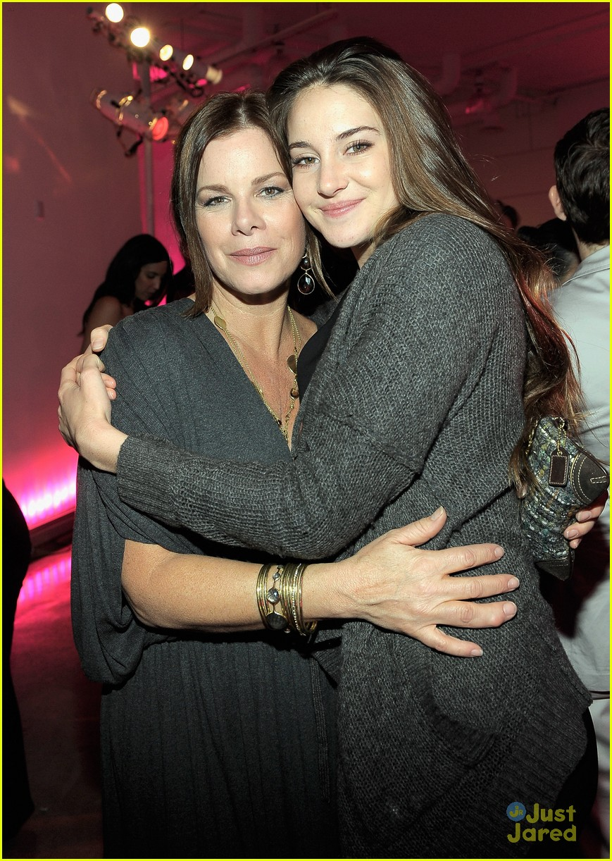 shailene woodley vanities party 09