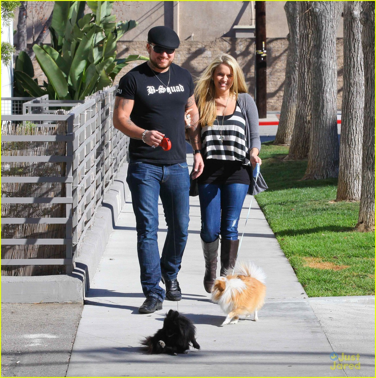 tiffany thornton chris walk dogs 01