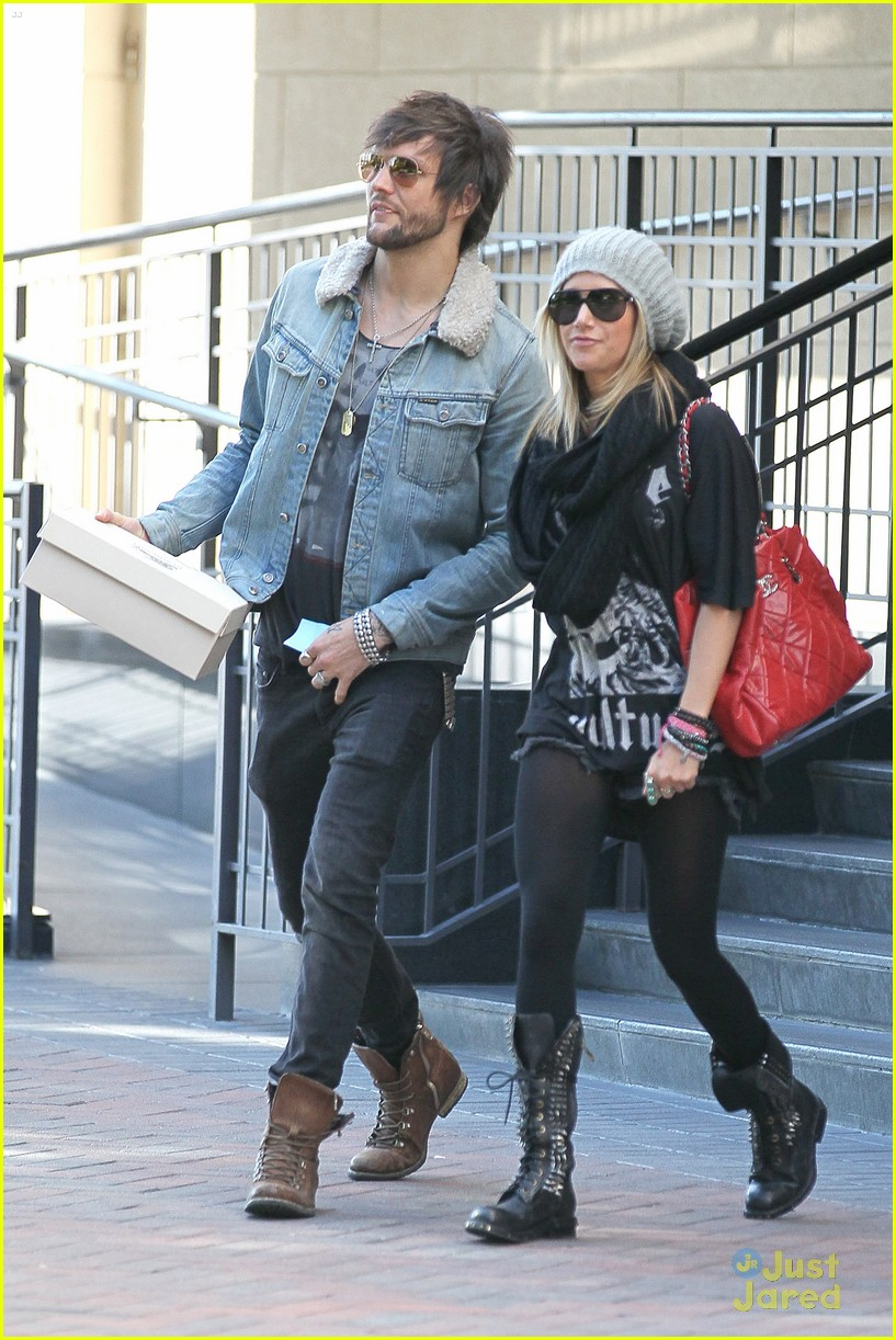 ashley tisdale martin bev hills 08