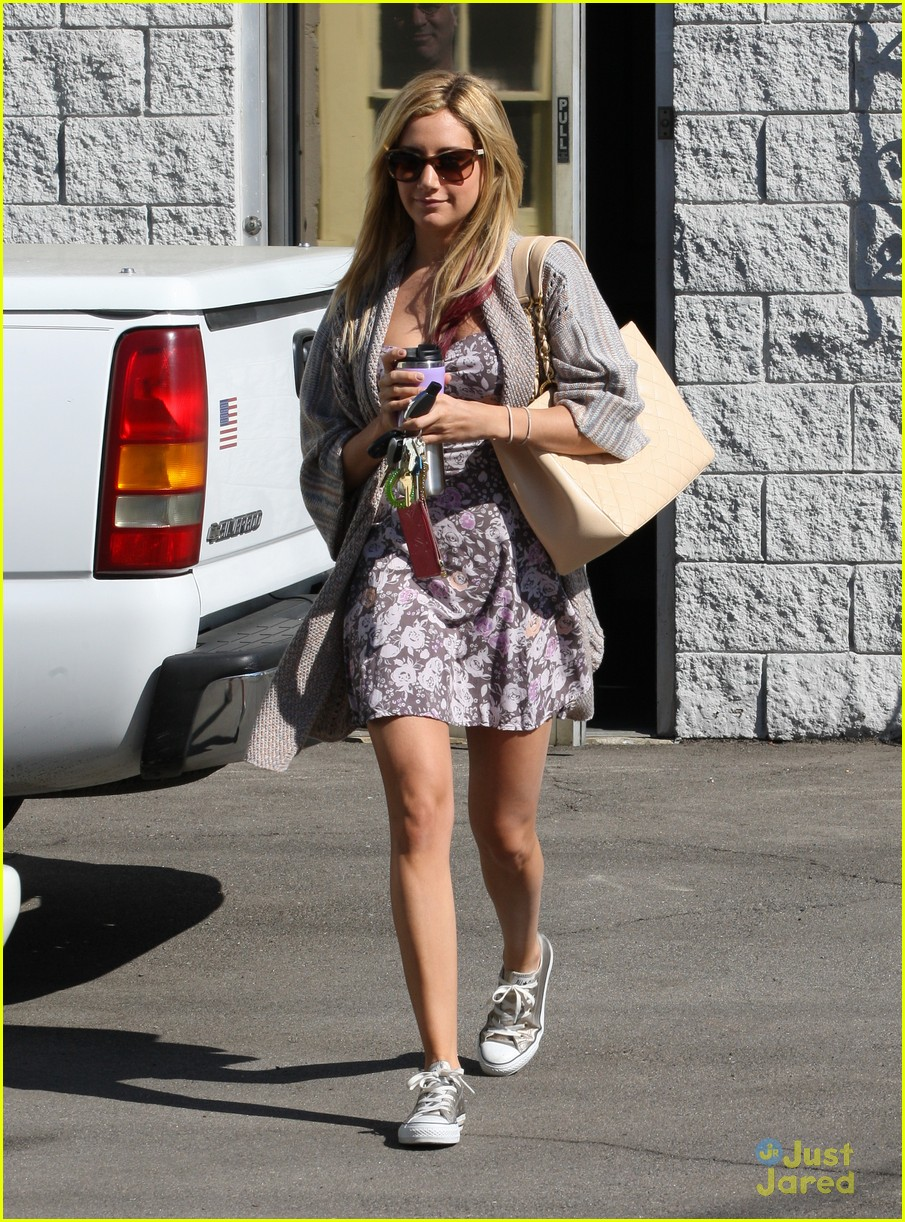 ashley tisdale studio stop 02