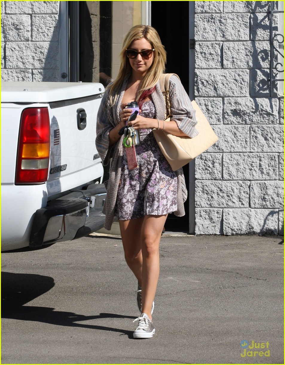 ashley tisdale studio stop 08