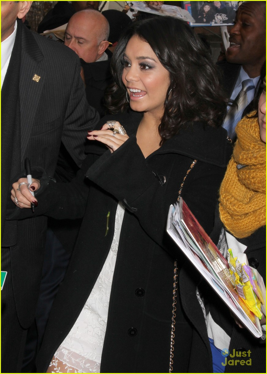 vanessa hudgens live kelly 02