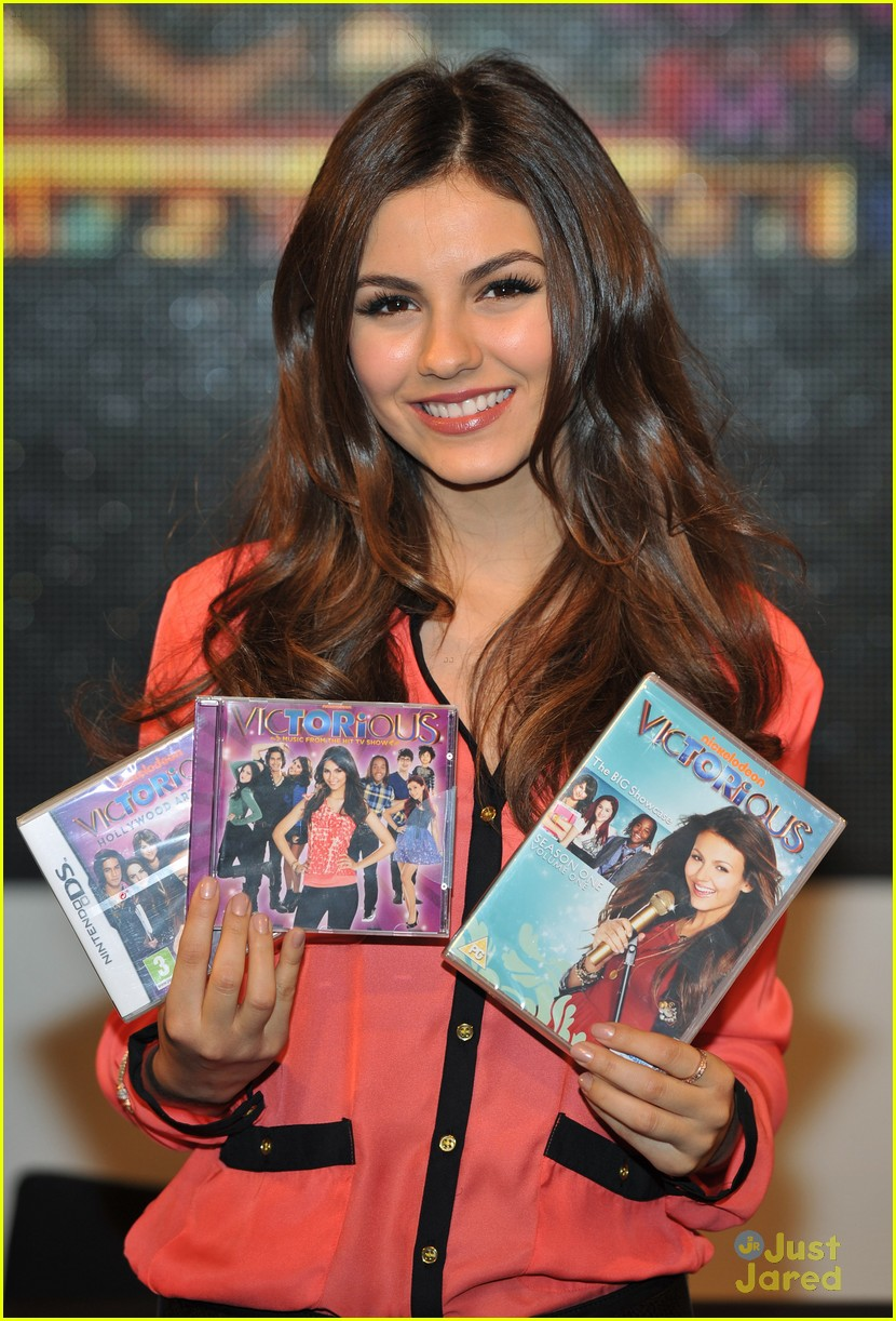 victoria justice hmv mg 06