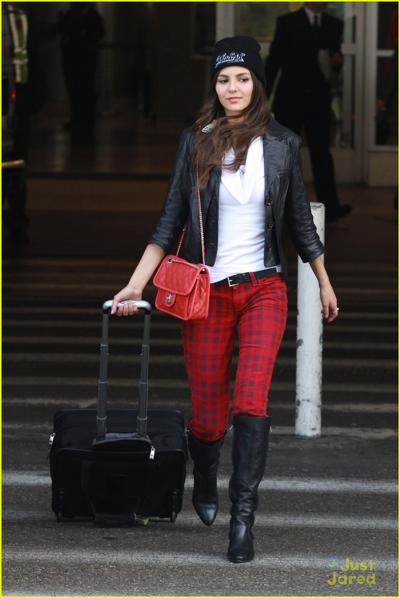 victoria justice red plaid pants 03