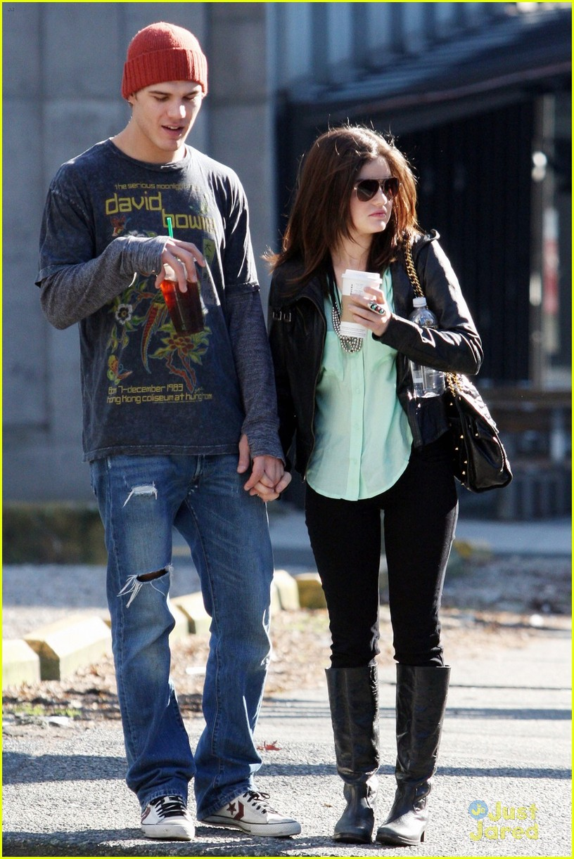 lucy hale holding hands with chris zylka 06