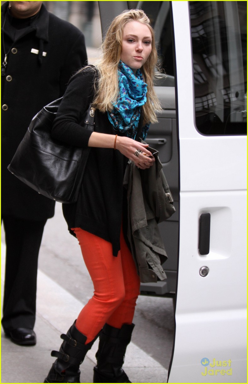 annasophia robb carrie fitting 03