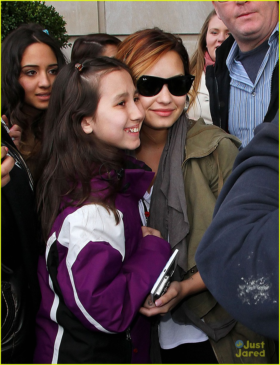 demi lovato mockinjay reader 05