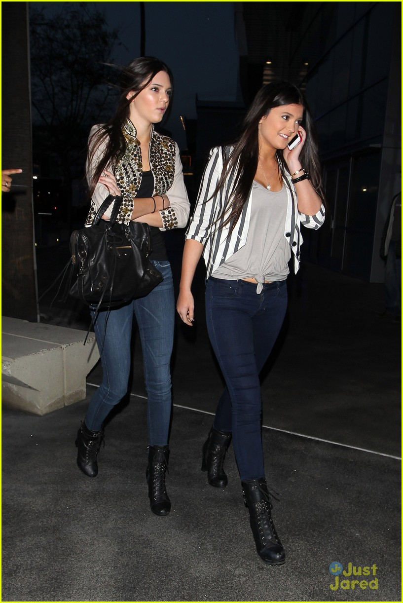 kendall kylie jenner lakers game 02