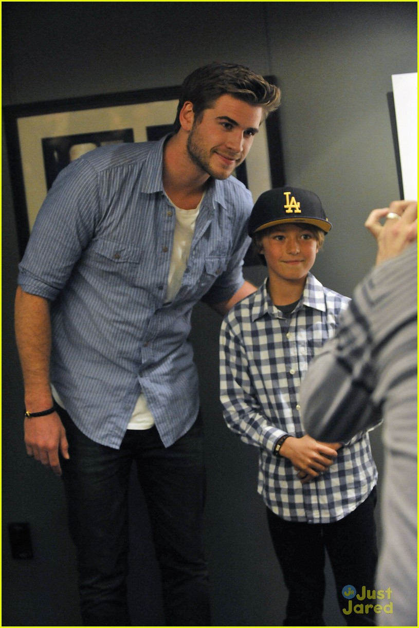 liam hemsworth aus thg 04