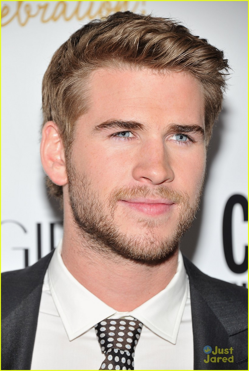 liam hemsworth cosmo nyc 04