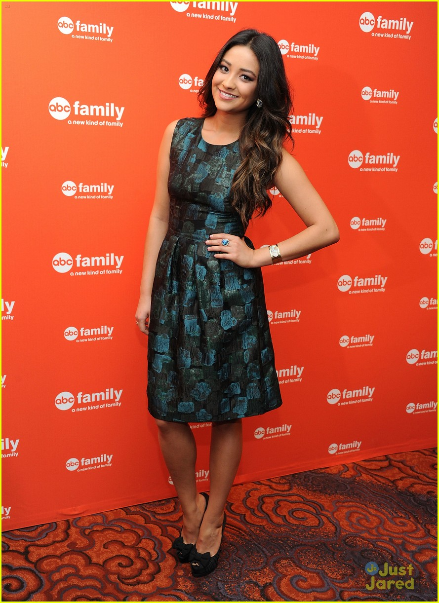 troian lucy shay gma upfronts 12