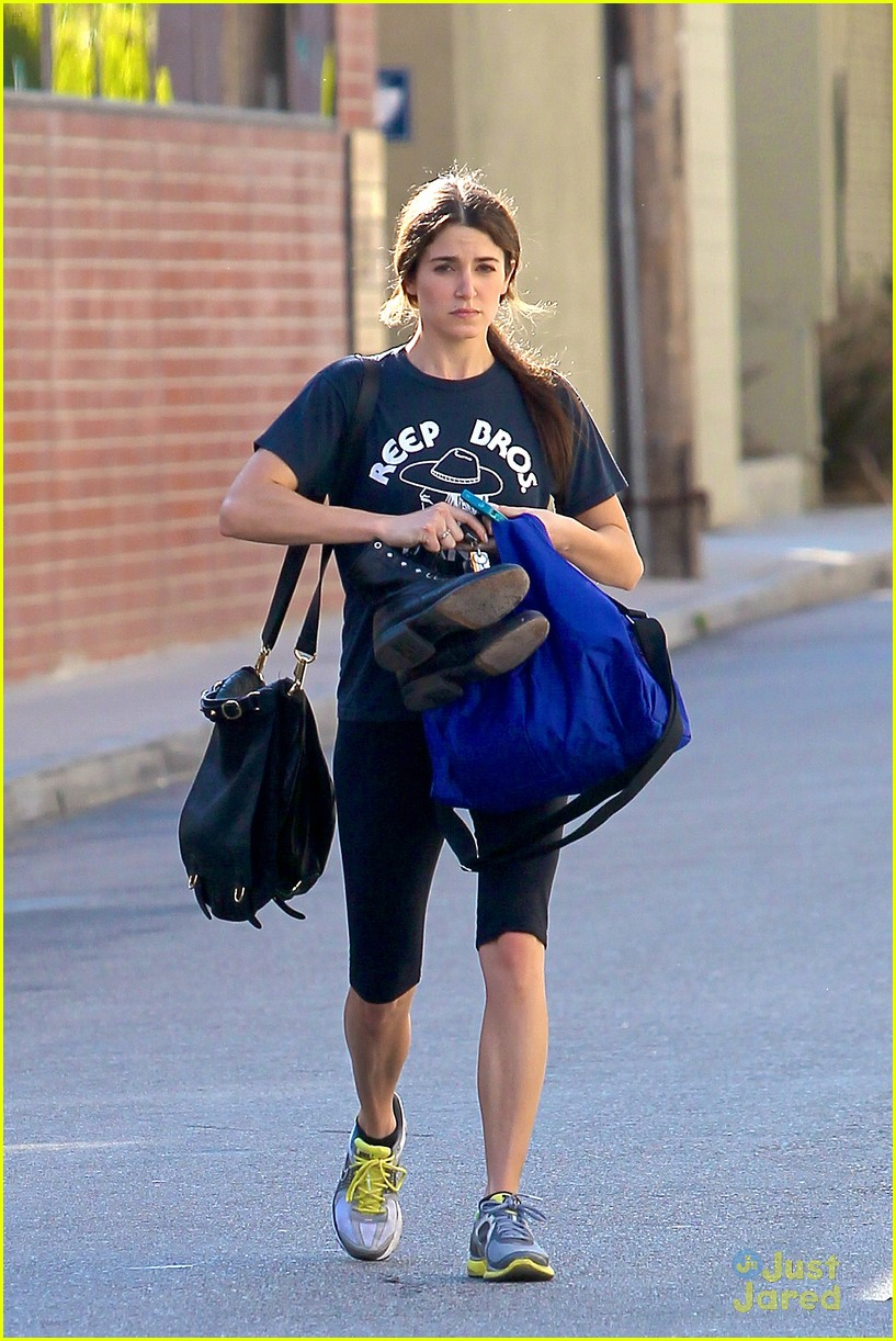 nikki reed workout woman 05