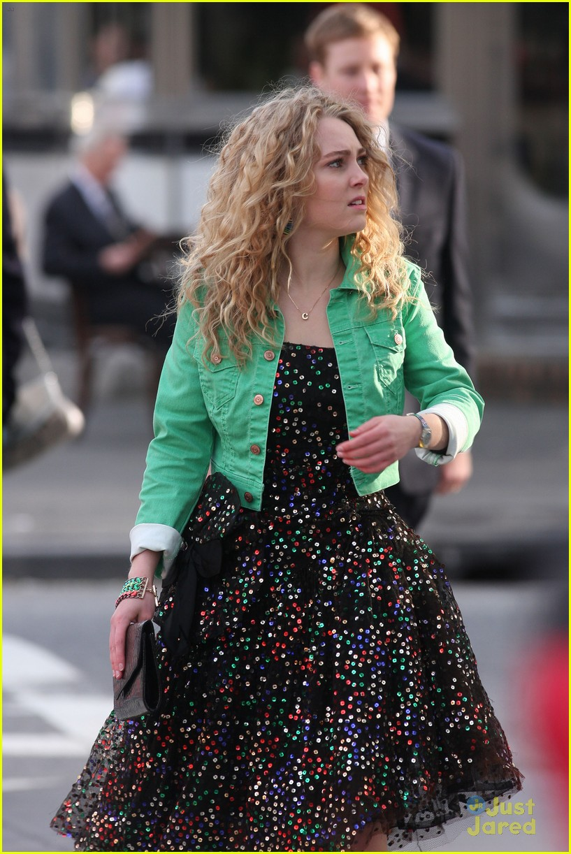 annasophia robb bump big apple 06