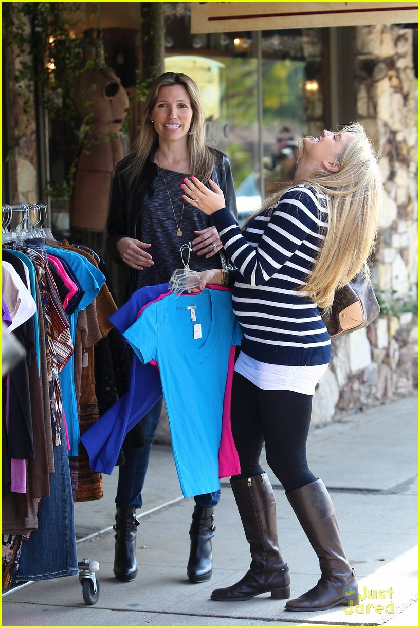 tiffany thornton baby bump 04