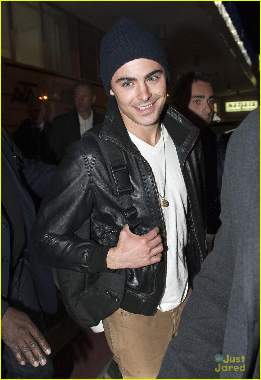 zac efron rome fan meet 05