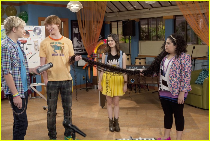 austin ally whodunit burgular 01