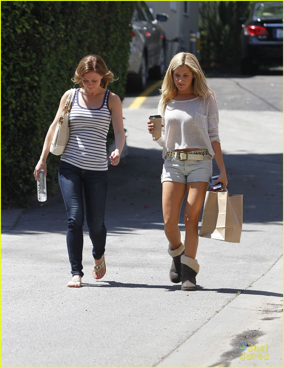 ashley tisdale patti murin giggles 08