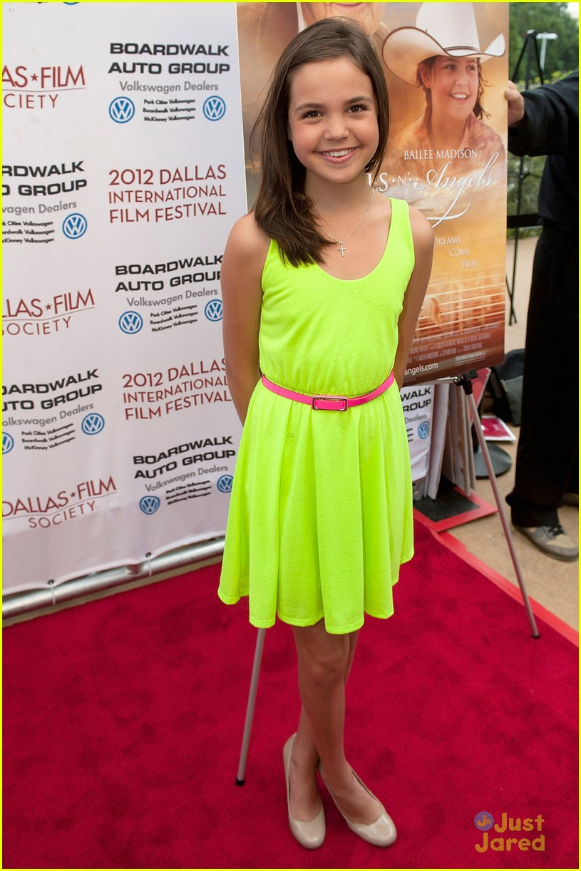 bailee madison smart cookie 01
