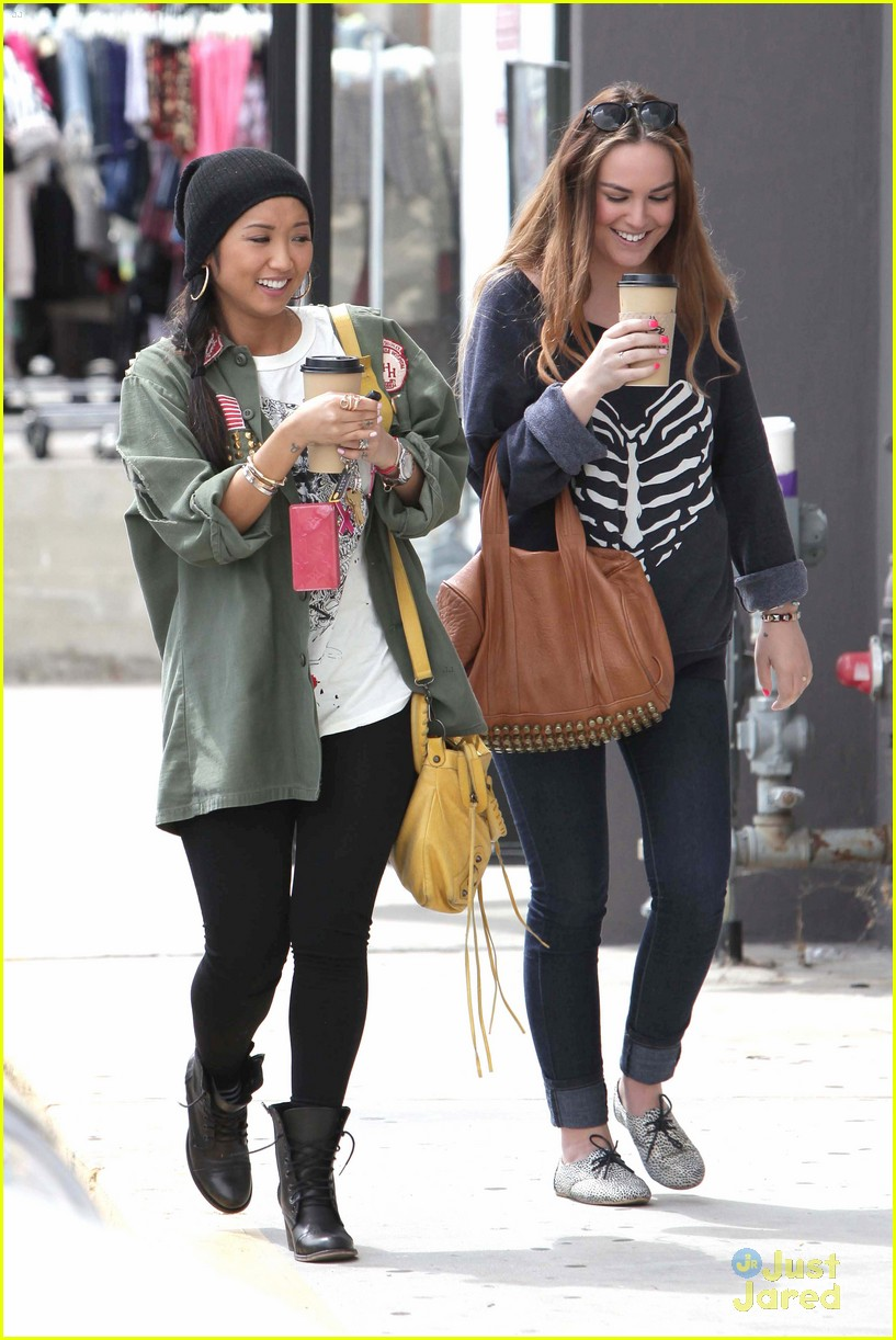 brenda song shopping mall 03