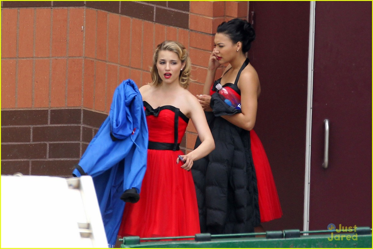 dianna agron lea michele ladies red 05