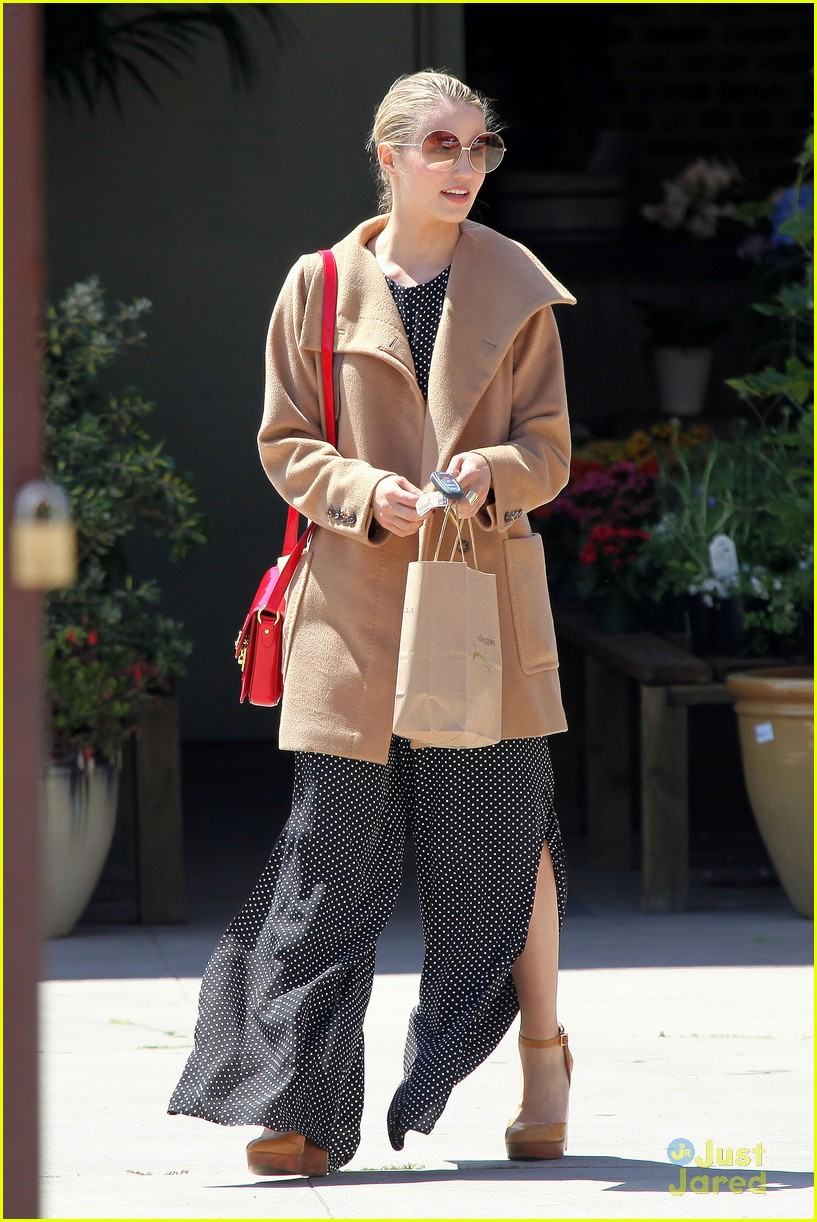 dianna agron flea market 01