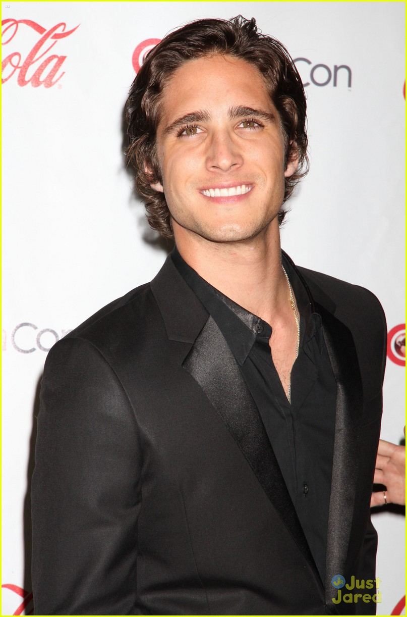 diego boneta cinemacon rising star 11
