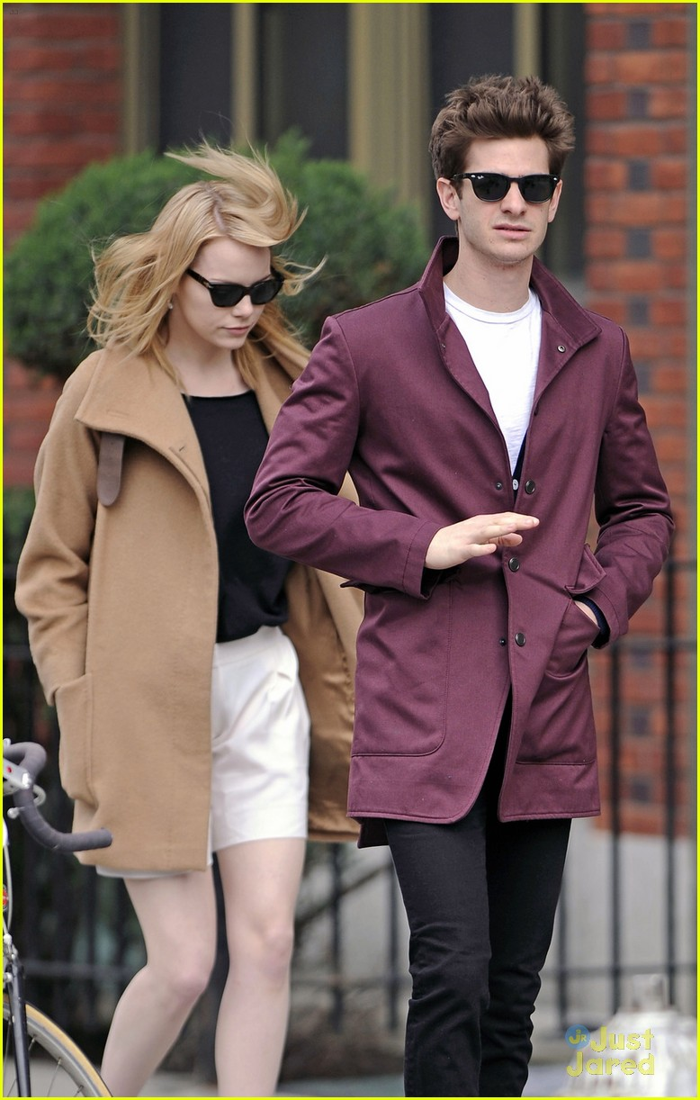 emma stone andrew garfield walk nyc 04