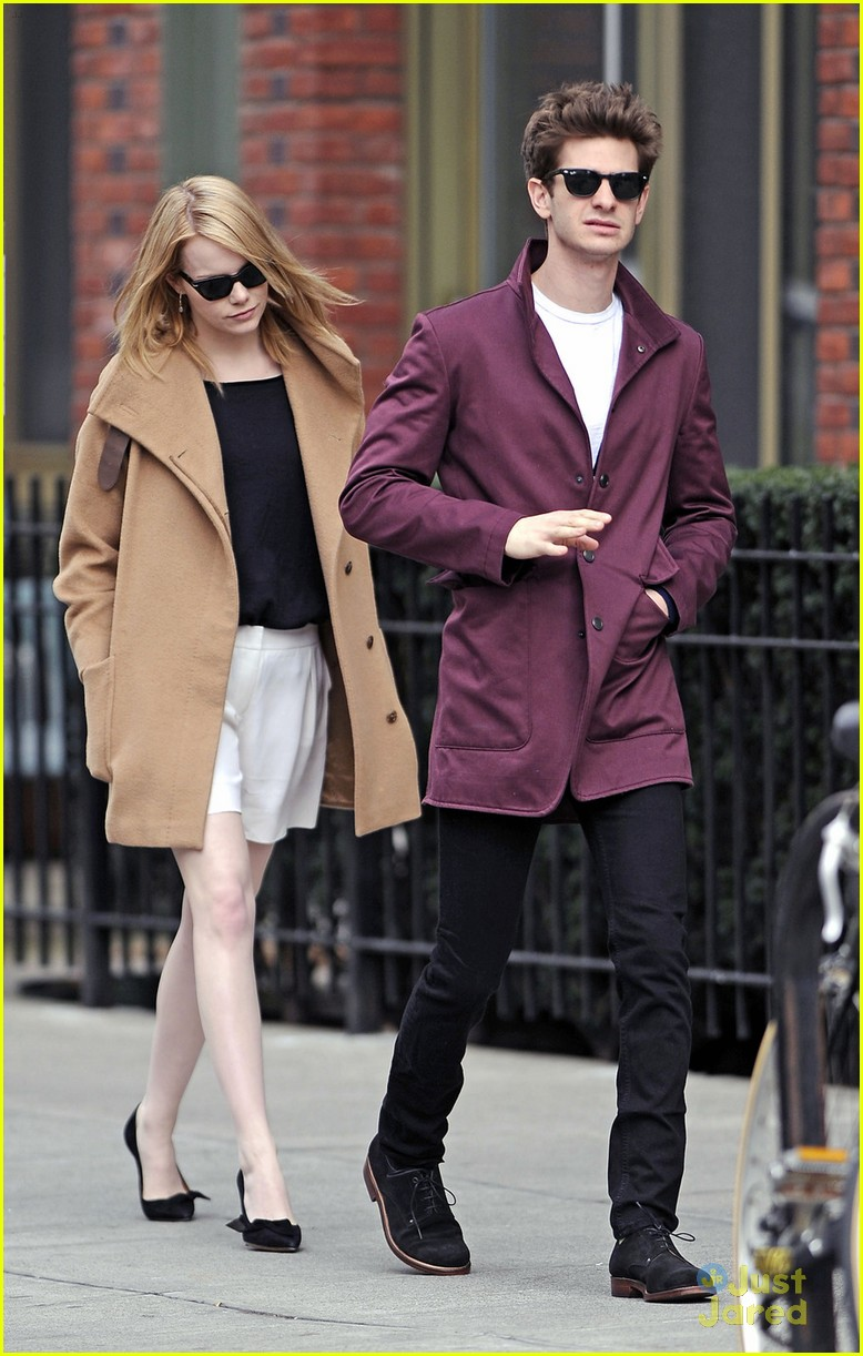 emma stone andrew garfield walk nyc 05