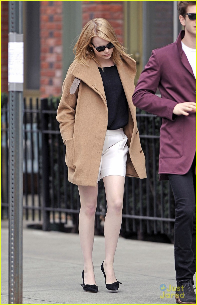 emma stone andrew garfield walk nyc 06