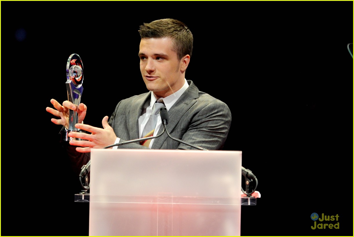 josh hutcherson cinemacon awards 07