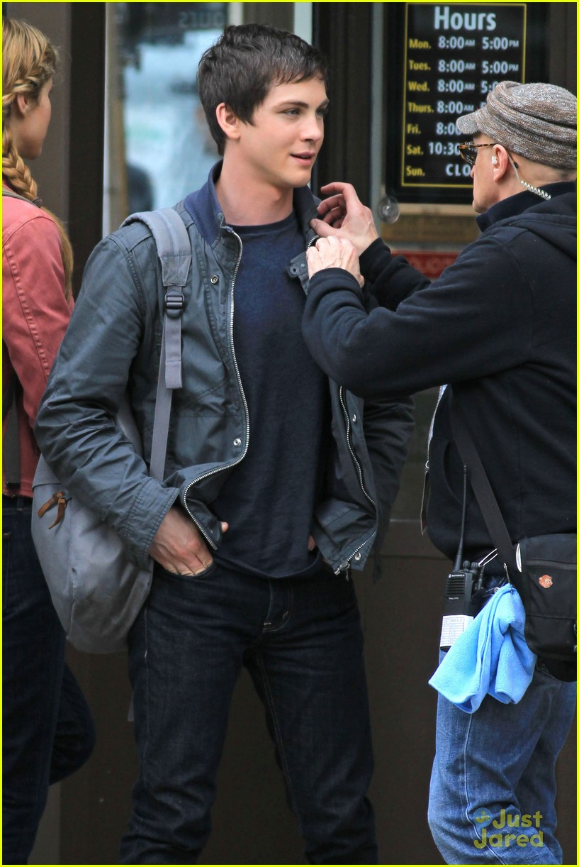 logan lerman vancouver nathan 05