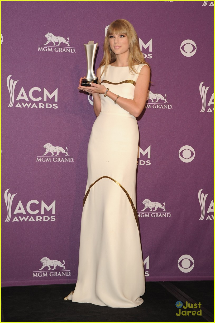 taylor swift entertainer year acms 03