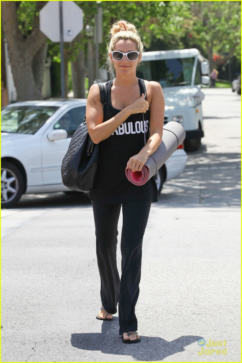 ashley tisdale fabulous yoga 10