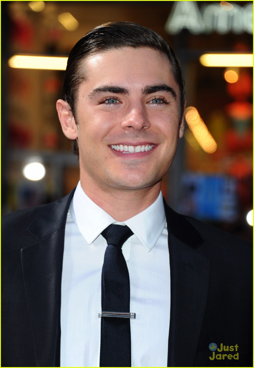 zac efron marines tlo la 02