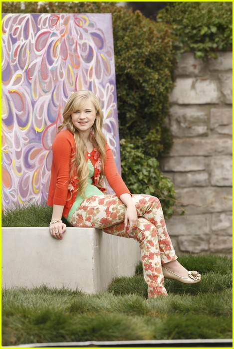 zendaya ant farm s2 18