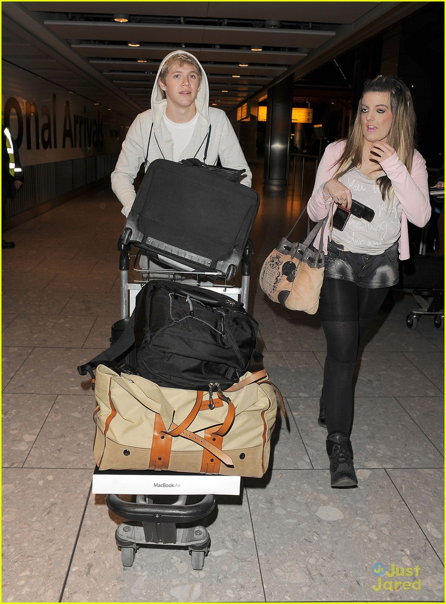 one direction heathrow arrival 11