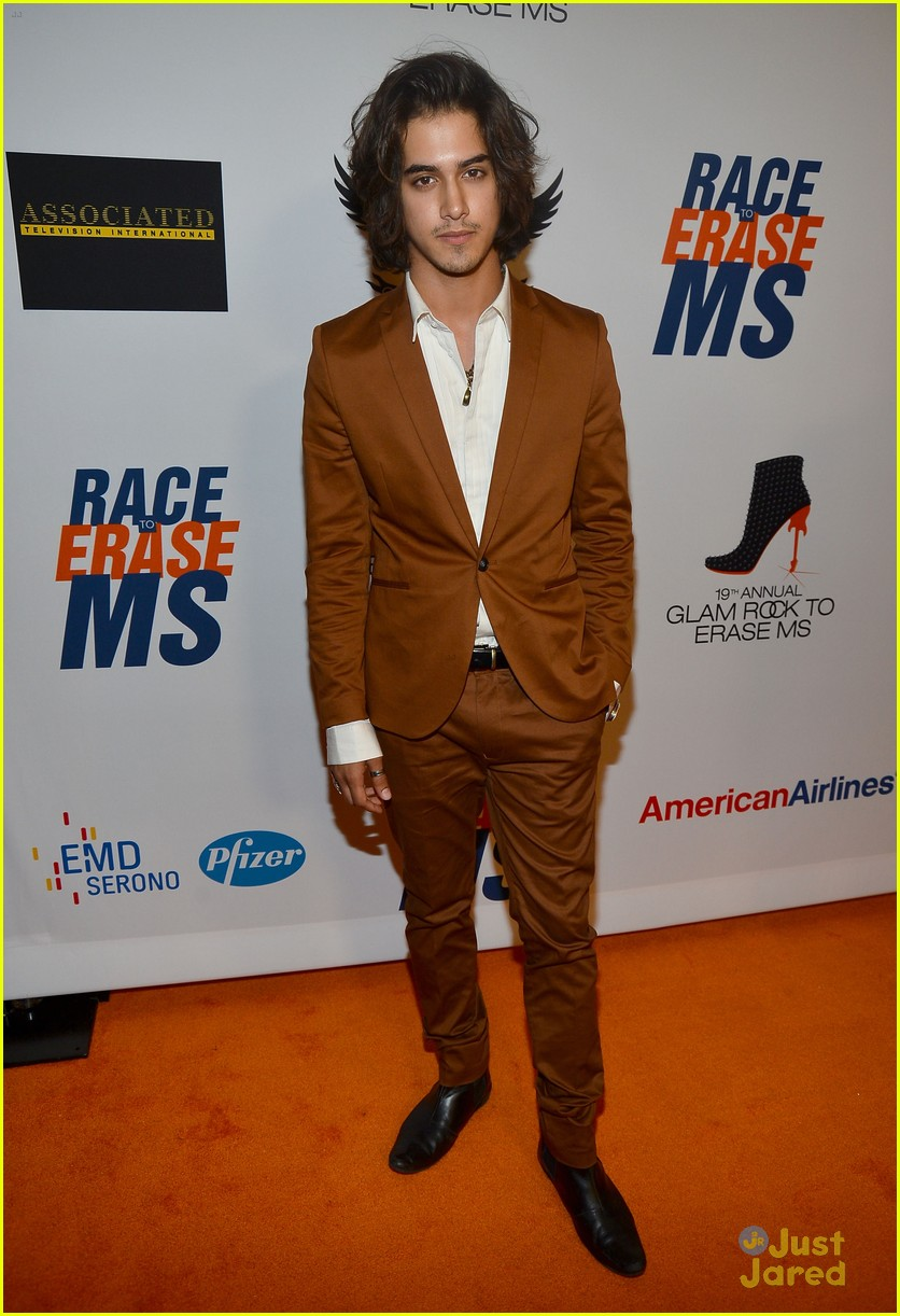 avan jogia zoey deutch race ms 06