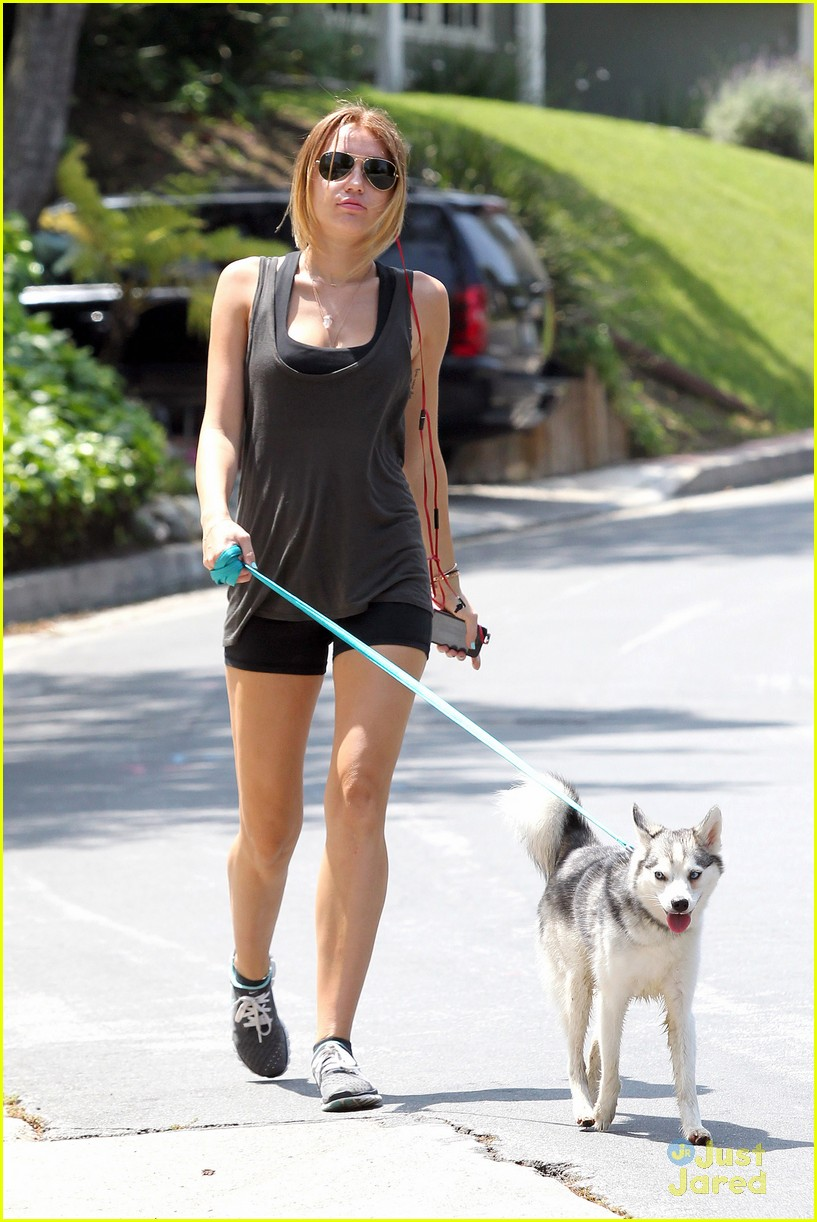 miley cyrus pilates monday 02