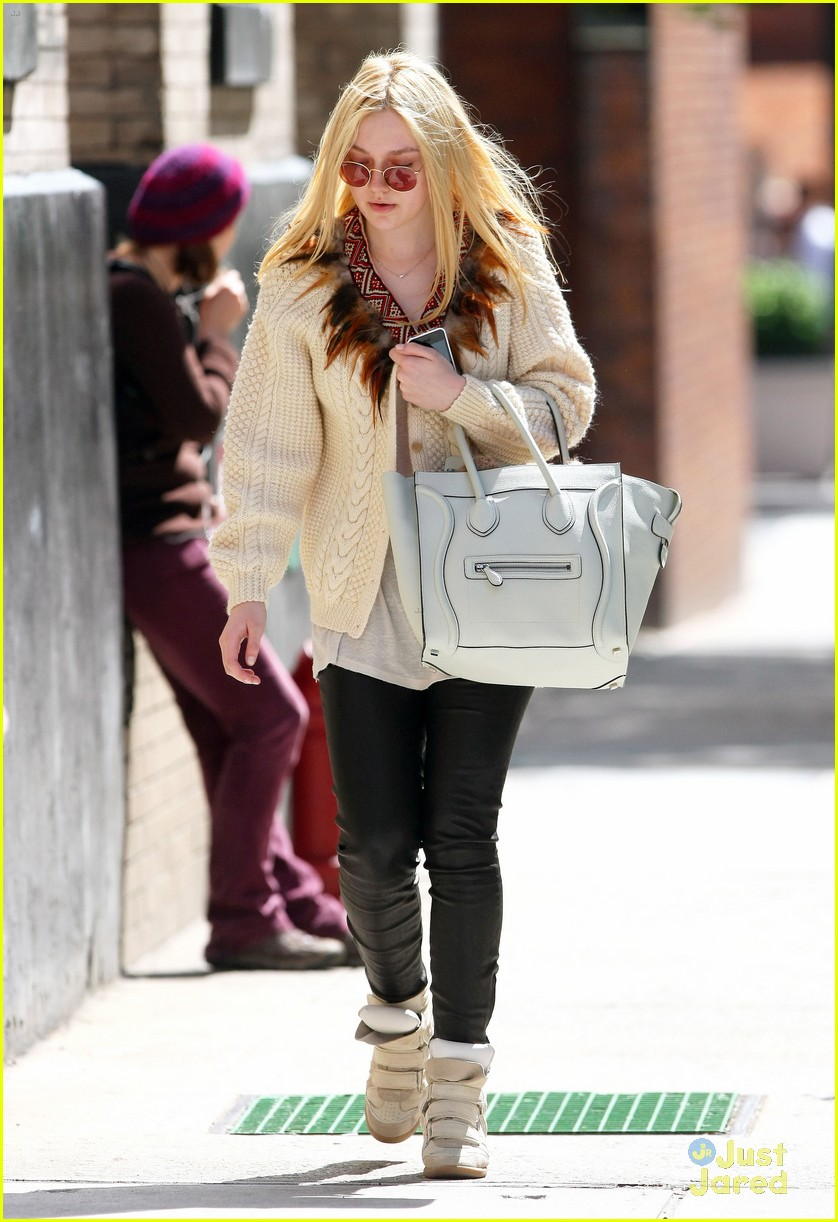 dakota fanning out nyc 04