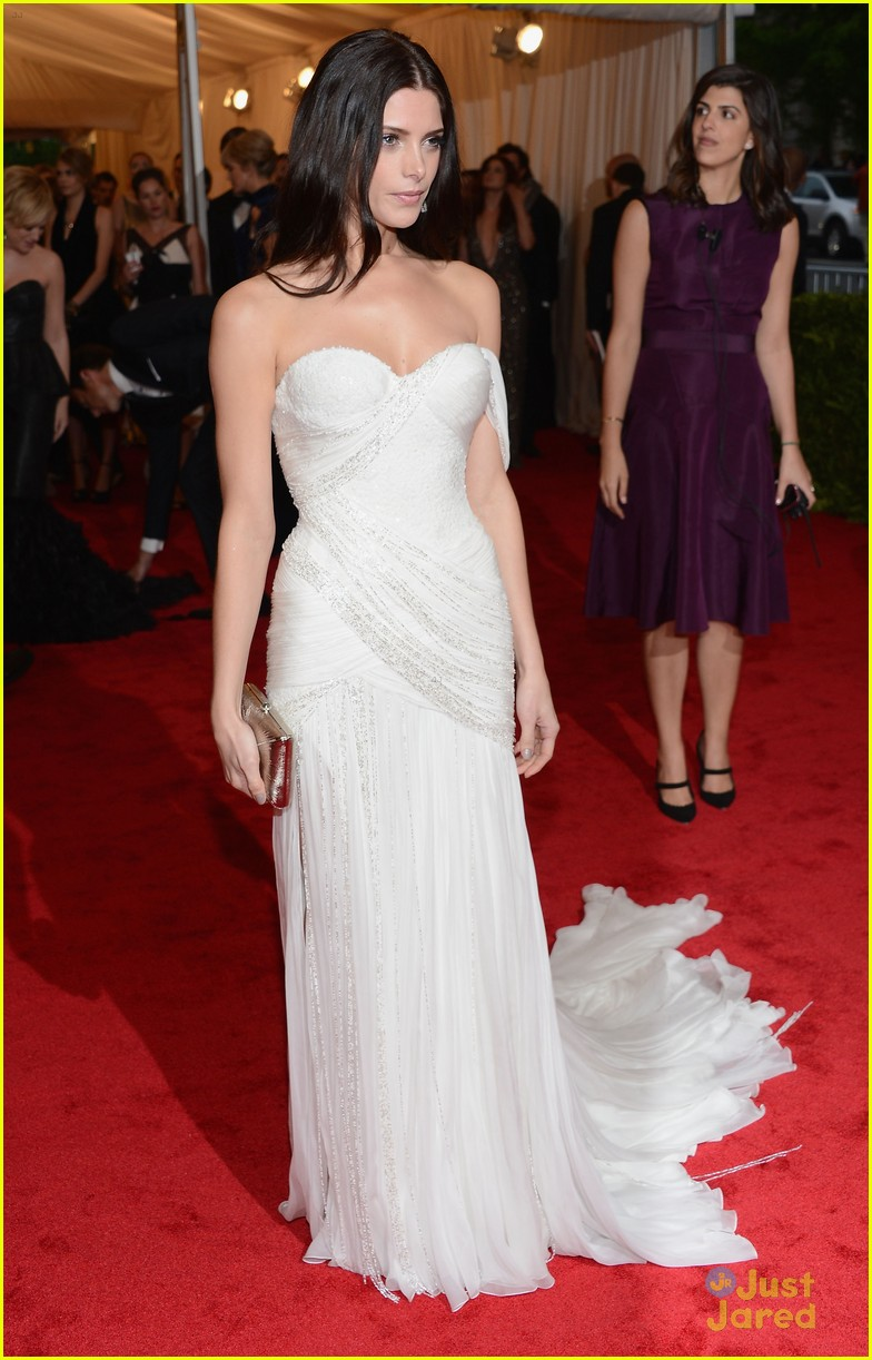 ashley greene met ball 01