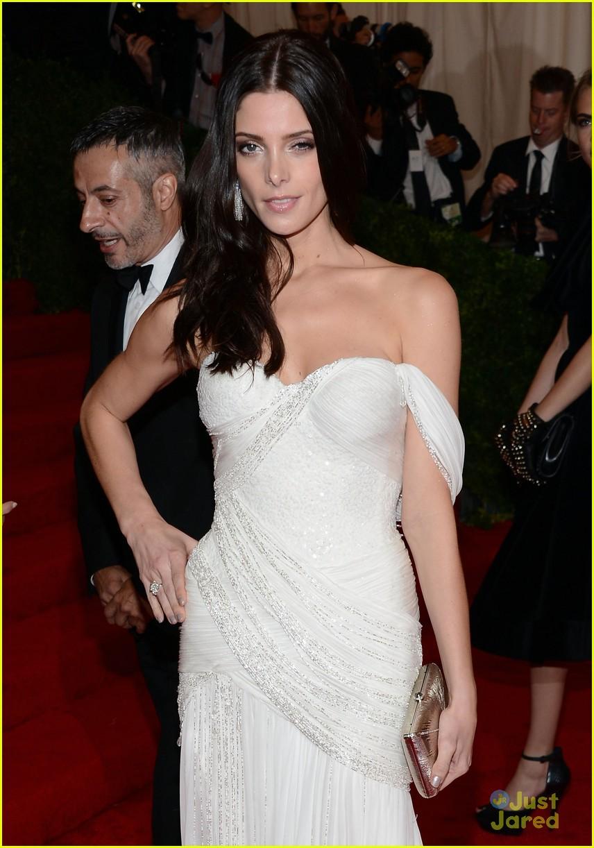 ashley greene met ball 04