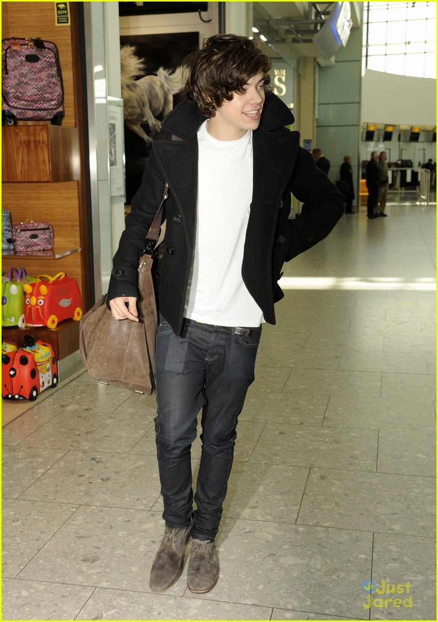 harry styles la landing 04